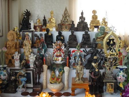 Thai Amulet store offer rare Thai amulets and Talismans, Amulet ...